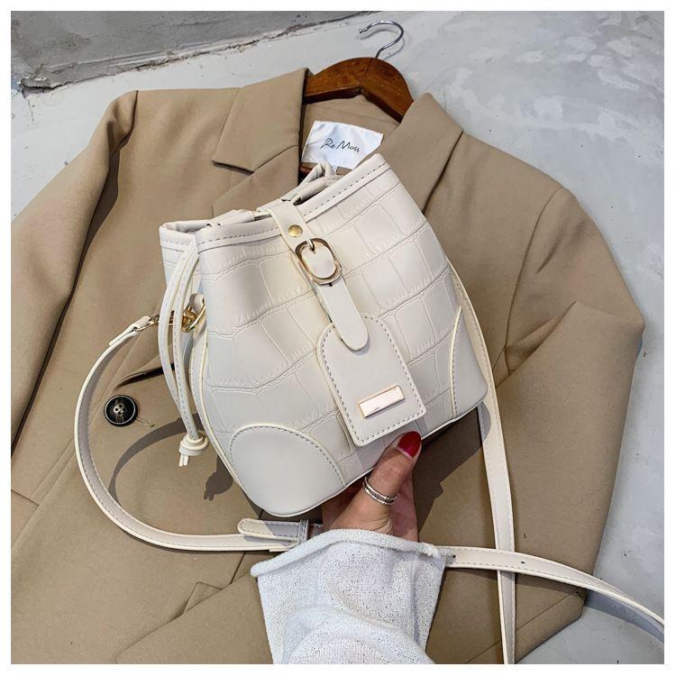 Lingge Embroidered Thread Fashion Bag Shoulder Messenger Bucket Bag wholesale NHTC249274