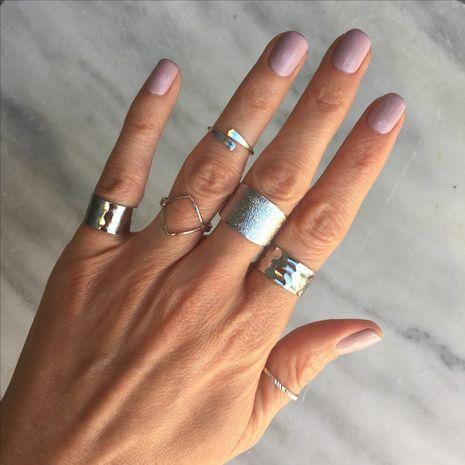 Venta al por mayor determinada del anillo de las mujeres simples de la torsión prismática coreana de moda NHAJ249795's discount tags