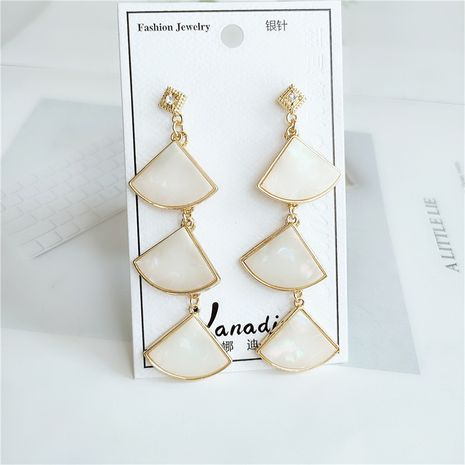 nueva tendencia personalidad de aleación de diamantes pendientes de hoja de moda al por mayor NHVA240406's discount tags