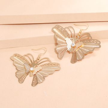 Korean fashion simple earrings retro hollow diamond alloy butterfly earrings wholesale nihaojewelry NHKQ240487
