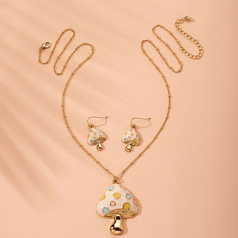 hot hiphop fashion dripping mushroom retro long necklace wholesale nihaojewelry NHAI240650's discount tags