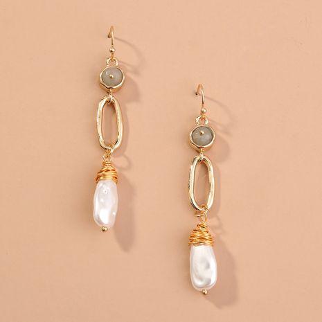 venta exagerada de joyas pendientes de perlas de metal semicircular en forma de C simples salvajes NHAN240708's discount tags