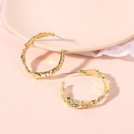 Boucles d'oreilles exagérées irrégulières en métal de mode simple en gros nihaojewelry NHRN240963's discount tags