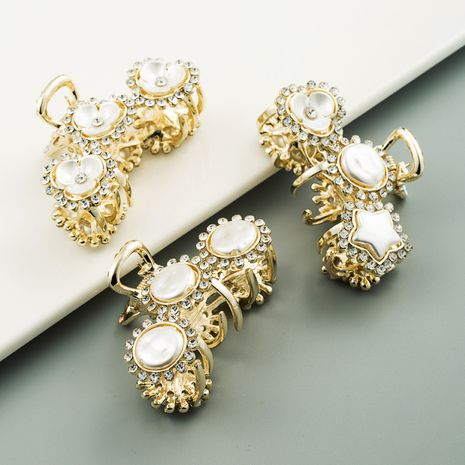 Nouvelle vente chaude mode perle strass clip queue de cheval clip all-match alliage griffe clip gros nihaojewelry NHLN241405's discount tags