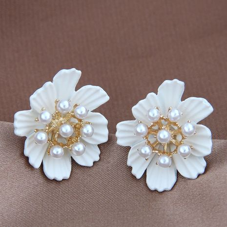 925 Silver Pearl Korean Fashion Sweet Flower Pearl Stud Earrings wholesale nihaojewelry NHSC242051's discount tags