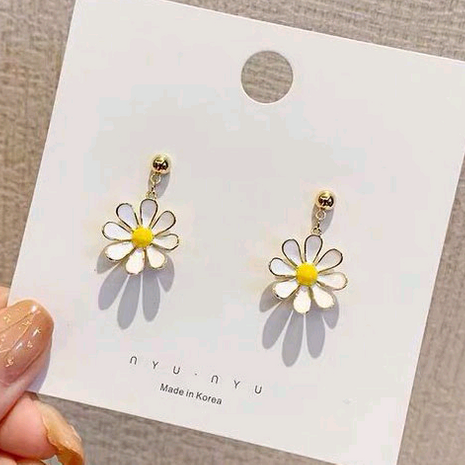 925 Silver Needle Fashion Sweet Daisy Chrysanthemum Stud alloy Earrings wholesale nihaojewelry NHSC242044's discount tags