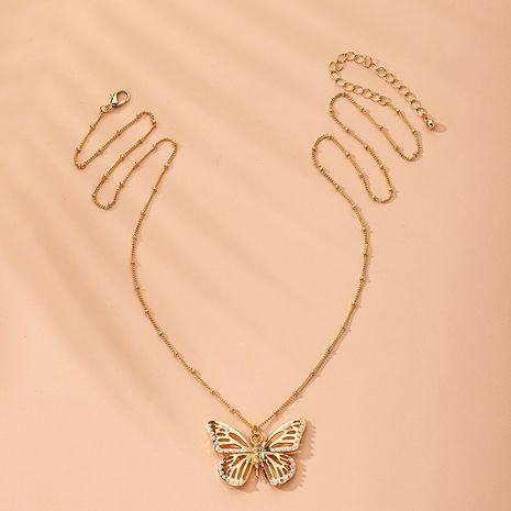 Collier en alliage de grand papillon de perles incrustées exagérées à une seule couche à la mode NHAI241837's discount tags