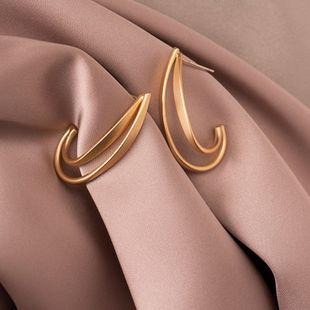 S925 argent aiguille créative mat géométrique C mot rétro boucles d'oreilles en gros nihaojewelry NHPF241895's discount tags