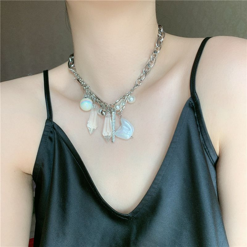 Fashion short exaggerated fashion thick chain pearl crystal pendant clavicle chain necklace for women NHYQ242564