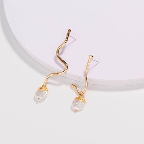 Joyería de acupuntura de oreja dorada en forma de perla natural de todo fósforo simple de moda al por mayor NHAN251342's discount tags