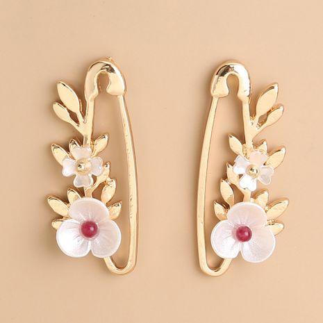 Pendientes creativos de flor simple de pin de hoja izquierda derecha coreana al por mayor NHAN251358's discount tags