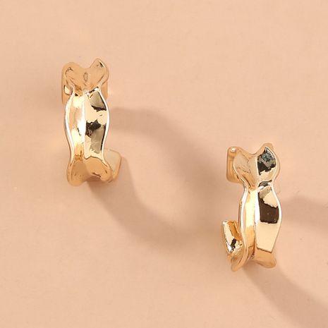 Nuevos pendientes geométricos de metal pequeños y de moda en forma de C brillantes y brillantes de venta al por mayor NHAN251527's discount tags