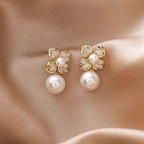 925 aguja de plata flor de circonio perla simple coreanos pequeños aretes de cobre versátiles NHMS251585's discount tags
