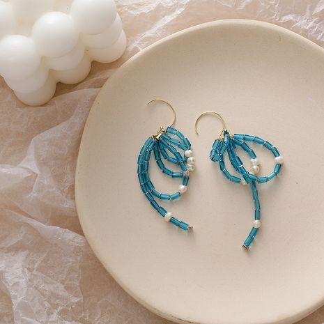 Diseño de moda gancho para la oreja chapado en oro perla de agua dulce cristal pavo real azul arco cian pendientes retro NHMS251589's discount tags