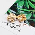 NHOM1056080-White-pearl-ear-clip