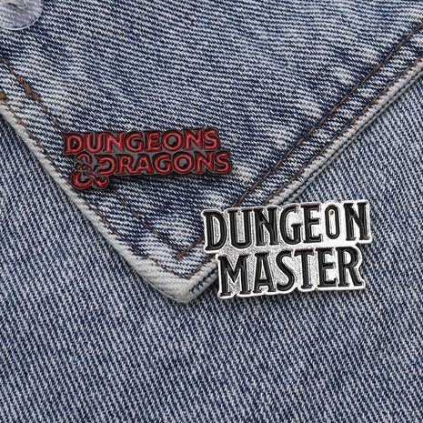 Broche de esmalte Dungeon Master Dungeon and Dragon NHBO256285's discount tags