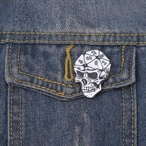 Broche de dados DND con esmalte de cuello de calavera retro punk nuevo NHBO256291's discount tags