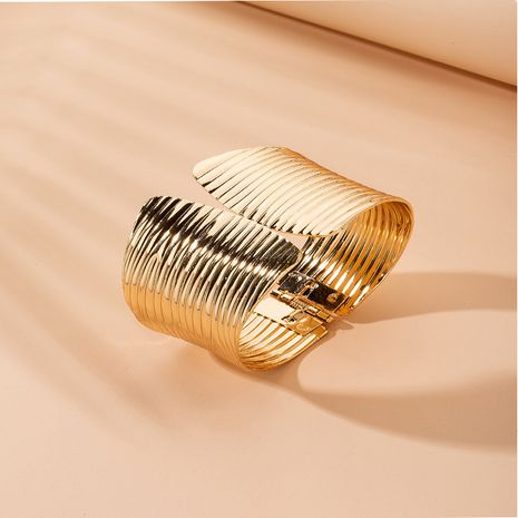 Exaggerated new golden corrugated retro irregular personality bracelet wholesale NHAI257364's discount tags