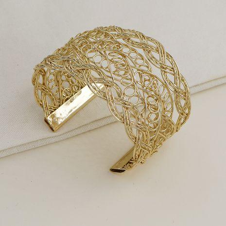 Vente chaude mode populaire nouveau bracelet de texture en métal large visage en gros NHGU257564's discount tags