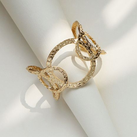 Vente en gros de bracelet en alliage de texture métallique de mode de vente chaude NHGU257643's discount tags