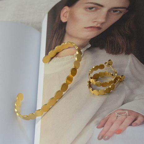 Mode rétro minimaliste couture ovale boucles d'oreilles en acier titane ensemble de bracelet pour les femmes NHOK258153's discount tags
