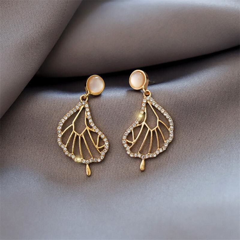 New trend  literature and art abstract lotus leaf  French earrings  NHOT258350