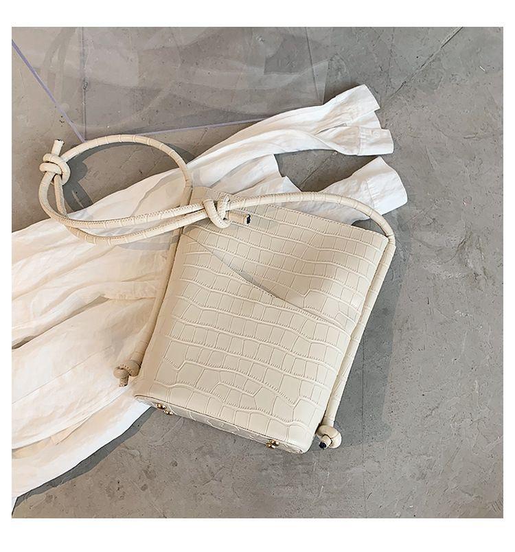 women's large-capacity new trendy fashion shoulder messenger bucket handbags  NHTC260120