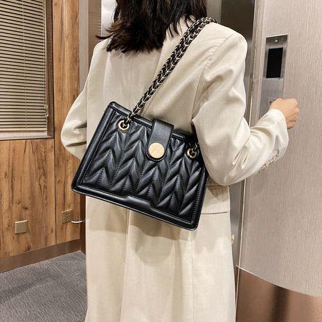 Vente chaude de mode à une épaule sac à chaîne messenger petit sac carré NHLH260241's discount tags