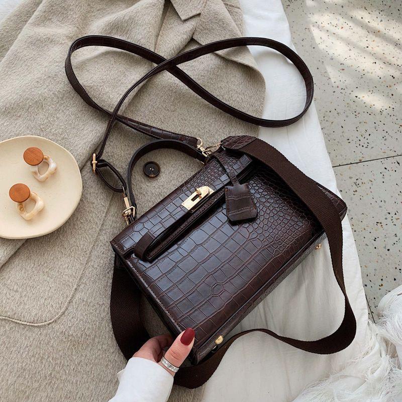 womens autumnwinter new fashion oneshoulder handbag crocodile pattern messenger bag wholesale NHLH252195