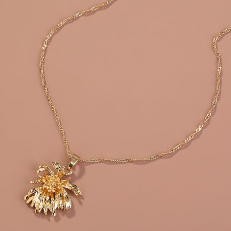 Hot selling fashion creative retro metal chrysanthemum pendant necklace  NHAN260476's discount tags
