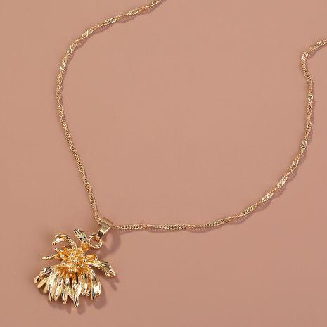 Collier pendentif chrysanthème en métal rétro créatif de mode de vente chaude NHAN260476's discount tags