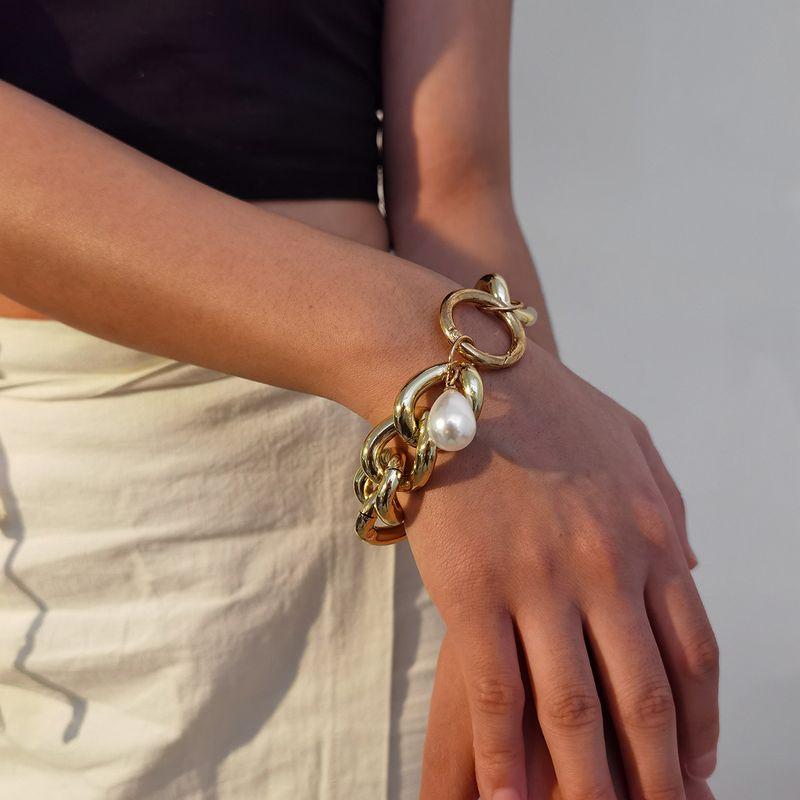 Fashion retro exaggerated hollow aluminum chain simple baroque pearl bracelet NHXR260660