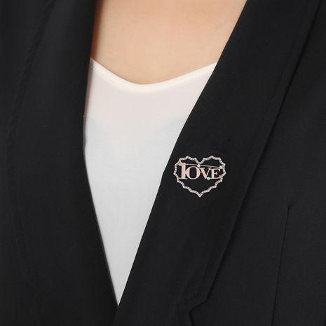 Carta de amor simple amor Corea nuevo broche de diamante hueco en forma de corazón NHKQ260726's discount tags