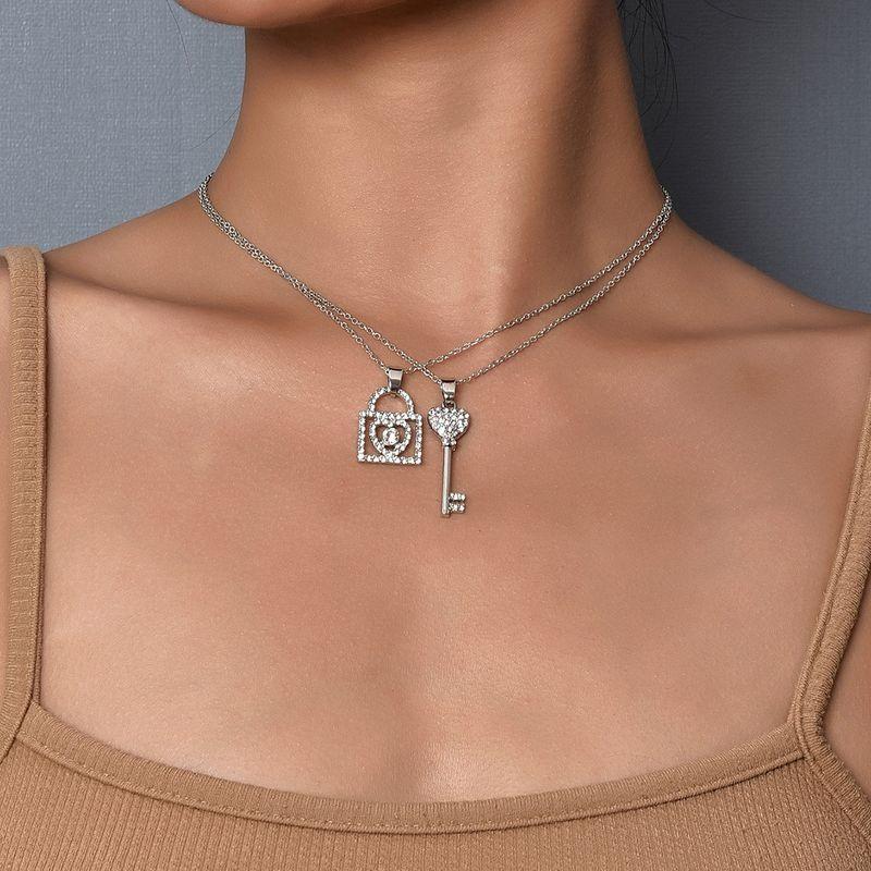 womens multilayer key lock new fashion trend pendant necklace NHAJ261404