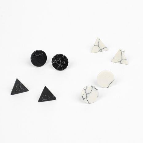Nouvelles boucles d'oreilles triangle rondes sauvages en marbre noir blanc turquoise coréen pour femmes NHRN261430's discount tags
