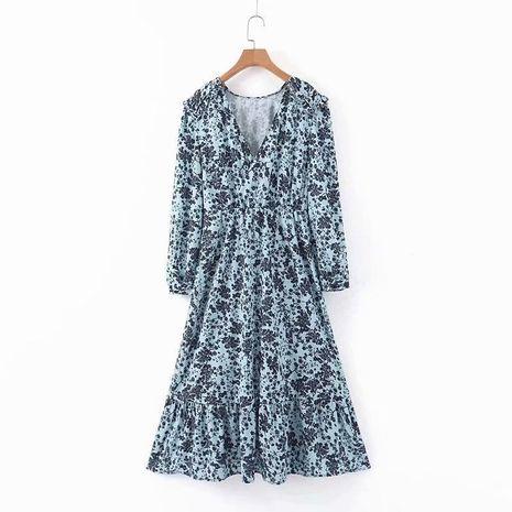 wholesale Nuevo vestido con volantes y volantes con cuello en V y estampado de flores negras con fondo azul NHAM261583's discount tags