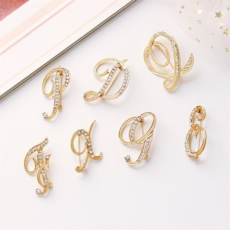 hot-saling  fashion new  diamonds 26 English letters brooch  NHMO261138's discount tags