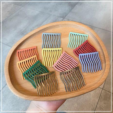 Peigne à cheveux en métal coloré NHOF261764's discount tags