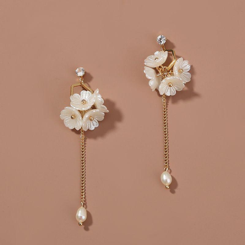 Korea retro jewelry long tassel 5 small flowers cluster earrings NHAN263047
