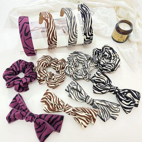 Nouvelle bande de cheveux en épingle à cheveux à vague irrégulière en trois pièces NHPJ263071's discount tags