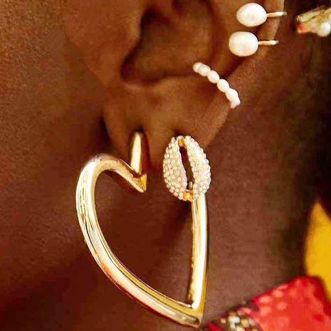 joyas al por mayor pendientes geométricos de perlas de corazón en forma de C sin pendientes perforados exagerados NHNZ263161's discount tags