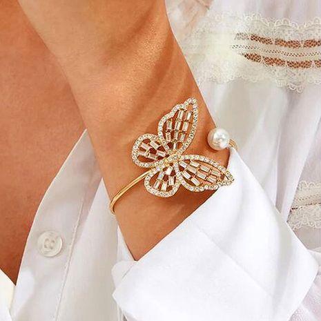 Bracelet réglable d'ouverture de cristal de perle exagérée de papillon de zircon creux polyvalent de vente chaude NHDP263849's discount tags