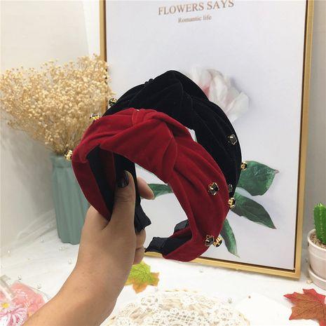 Automne nouvelle flanelle strass tissu noeud moyen coréen à large bord couleur unie accessoires de cheveux pour les femmes NHRH263968's discount tags
