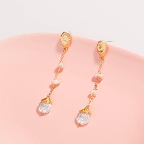 mode vente chaude nouvelles boucles d'oreilles de pompon de perles blanches en forme spéciale NHAN252556's discount tags