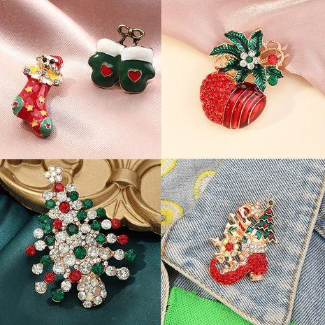 Adornos de moda Dibujos animados Diversión Pin de Navidad Broche de diamantes de imitación de color con incrustaciones micro NHNZ252638's discount tags