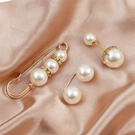Korean  simple fashion clothes leader mouth suit pearl brooch  NHLA253495's discount tags