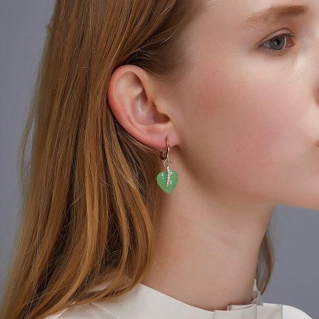 Boucle d'oreille en cristal élégant de feuille de coeur de fille verte coréenne boucles d'oreilles en gros NHDP253103's discount tags