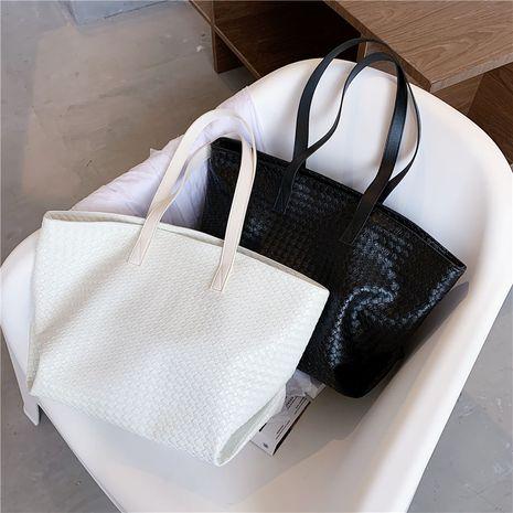 Fashion texture large-capacity  new woven handbag shoulder bag NHLH253605's discount tags