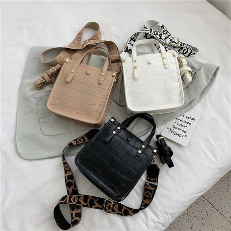 Retro  large-capacity solid color handbag crocodile pattern wide shoulder shoulder messenger bag NHLH253615's discount tags