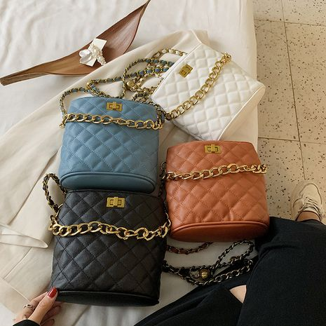 New summer tide wild rhombus chain portable fashion solid color single shoulder messenger bag NHLH253623's discount tags